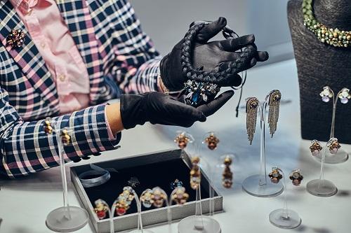 bijoux de créateur avec gravure